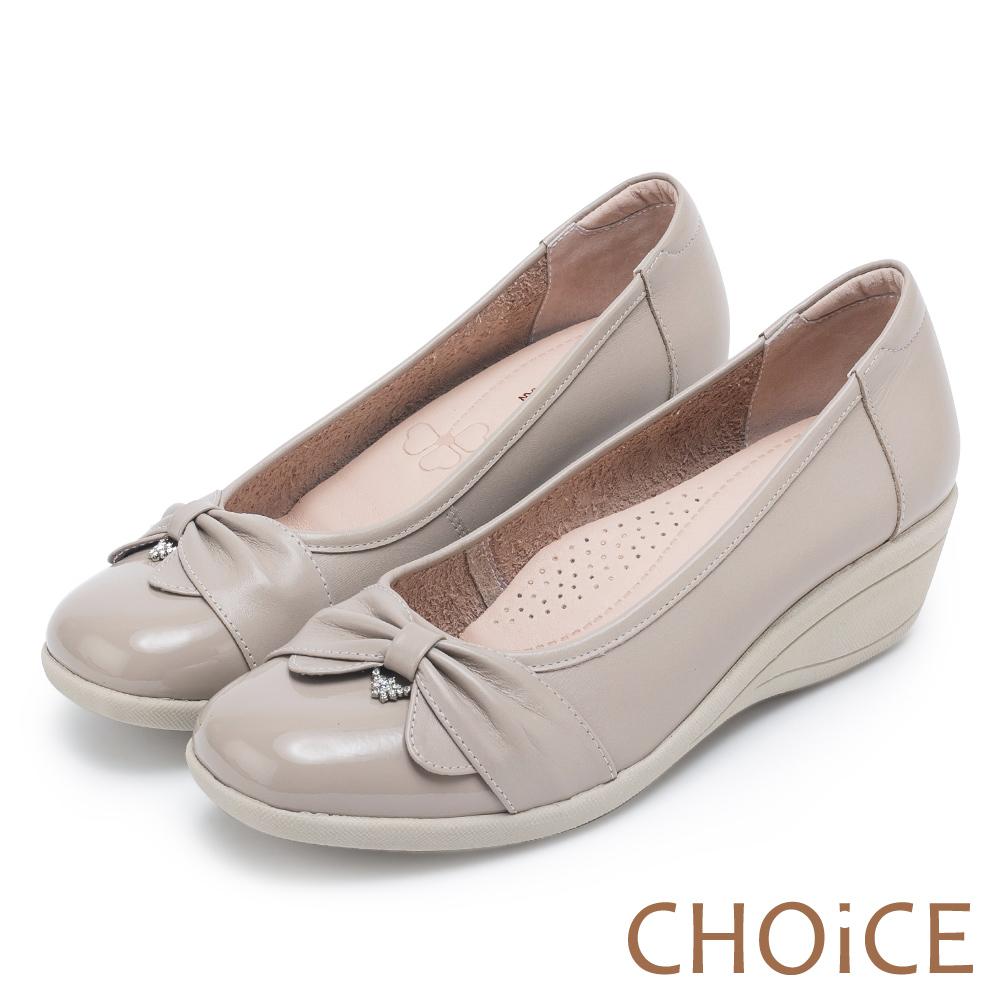 CHOiCE 舒適甜美 蝴蝶結鑽飾牛皮坡跟鞋-灰色
