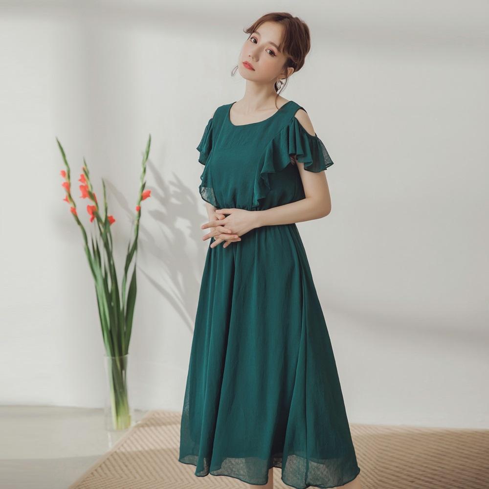 純色質感皺折壓紋造型荷葉雪紡洋裝-OB大尺碼