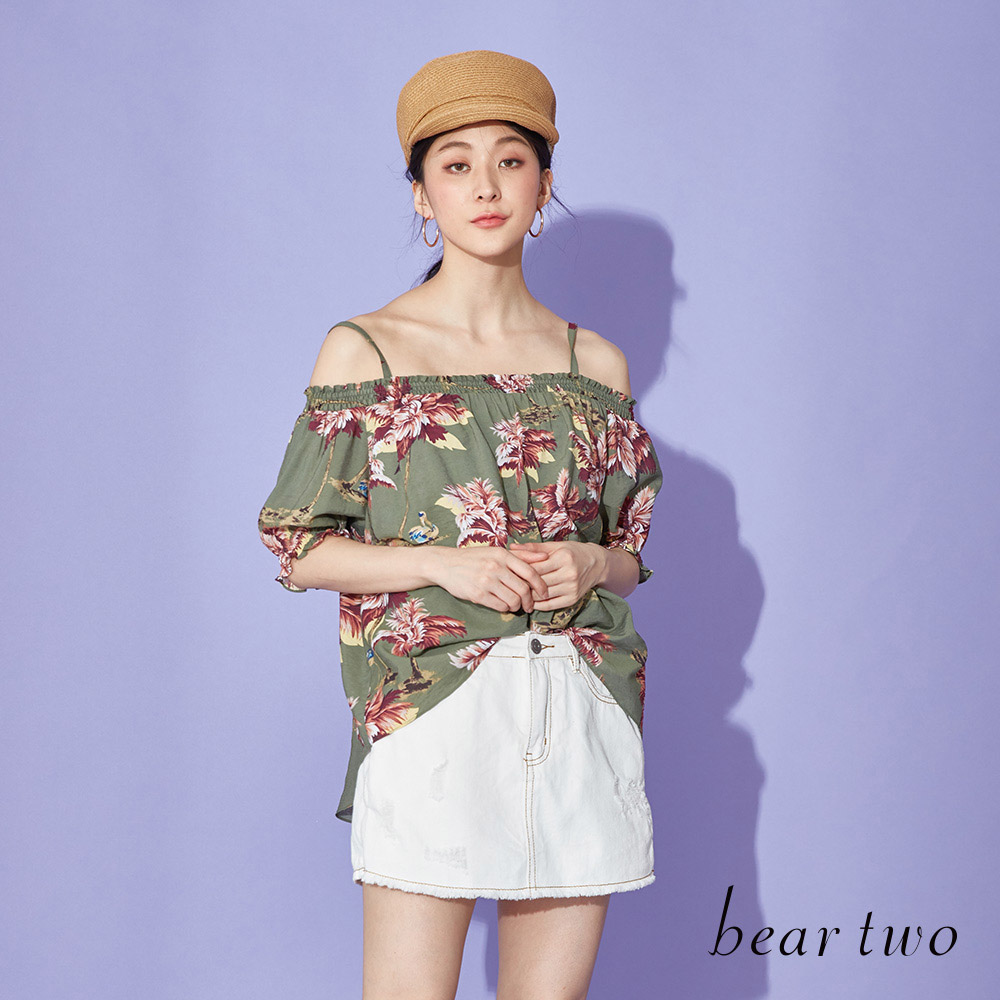 beartwo 度假日子花印露肩上衣(二色)