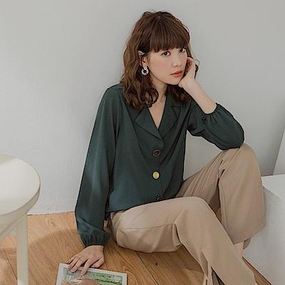 純色不易皺特色排釦長袖襯衫-OB嚴選