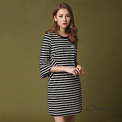 OUWEY歐薇 率性優雅條紋剪接洋裝(黑)