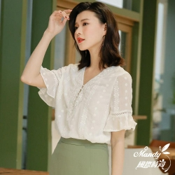 Mandy國際時尚 短袖上衣 優雅V領蕾絲喇叭袖雪紡上衣 _預購【韓國服飾】