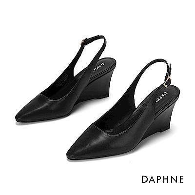 達芙妮DAPHNE 高跟鞋-美型坡跟素雅純色高跟鞋-黑
