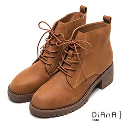 DIANA俐落率性—真皮綁帶粗跟短靴-棕
