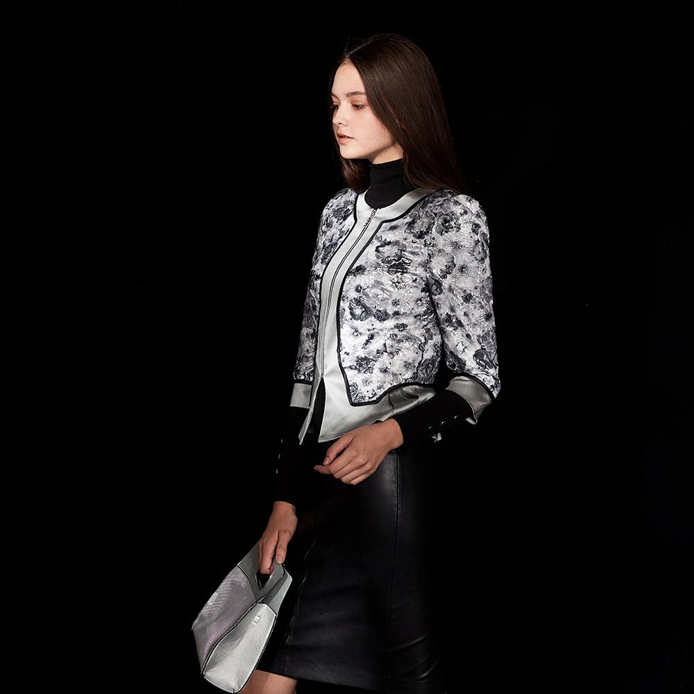 ICHE衣哲 精緻蕾絲雕花拼接造型灰外套