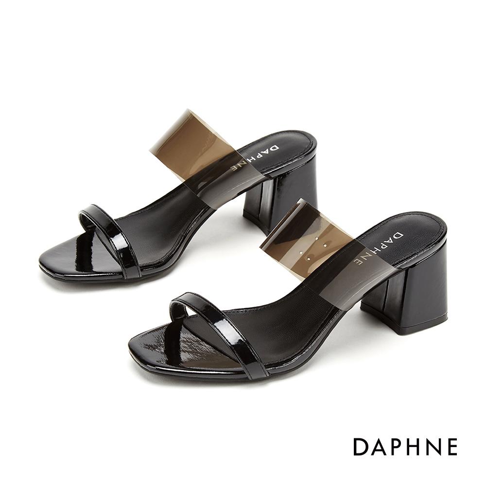 達芙妮DAPHNE 涼鞋-摩登漆皮拚接透明PVC鏤空粗跟涼拖鞋-黑色