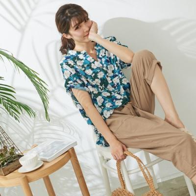 慢 生活】剪貼風花朵印花衫- 藍