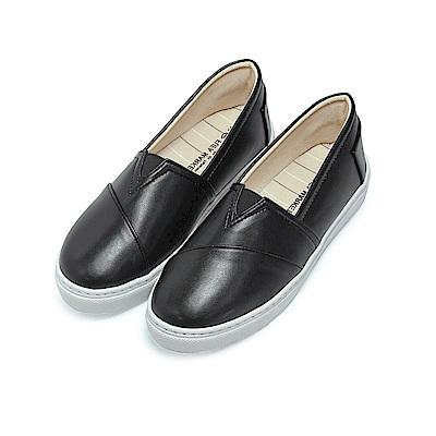 BuyGlasses 率性小V修飾懶人鞋-黑