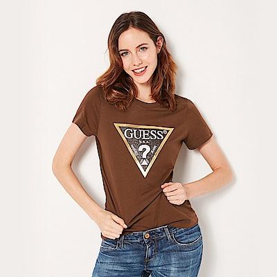 GUESS-女裝-閃亮經典倒三角logo短T-棕