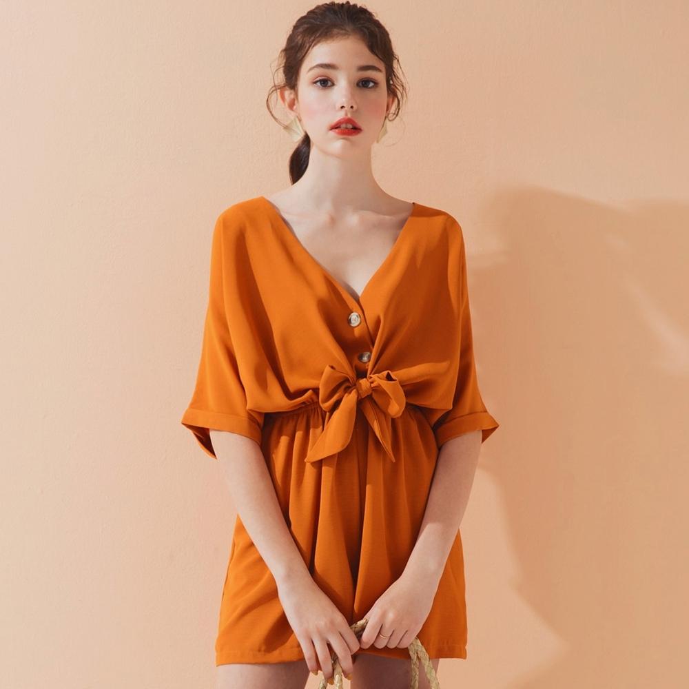 AIR SPACE LADY V領前綁帶排釦連身短褲(橘)