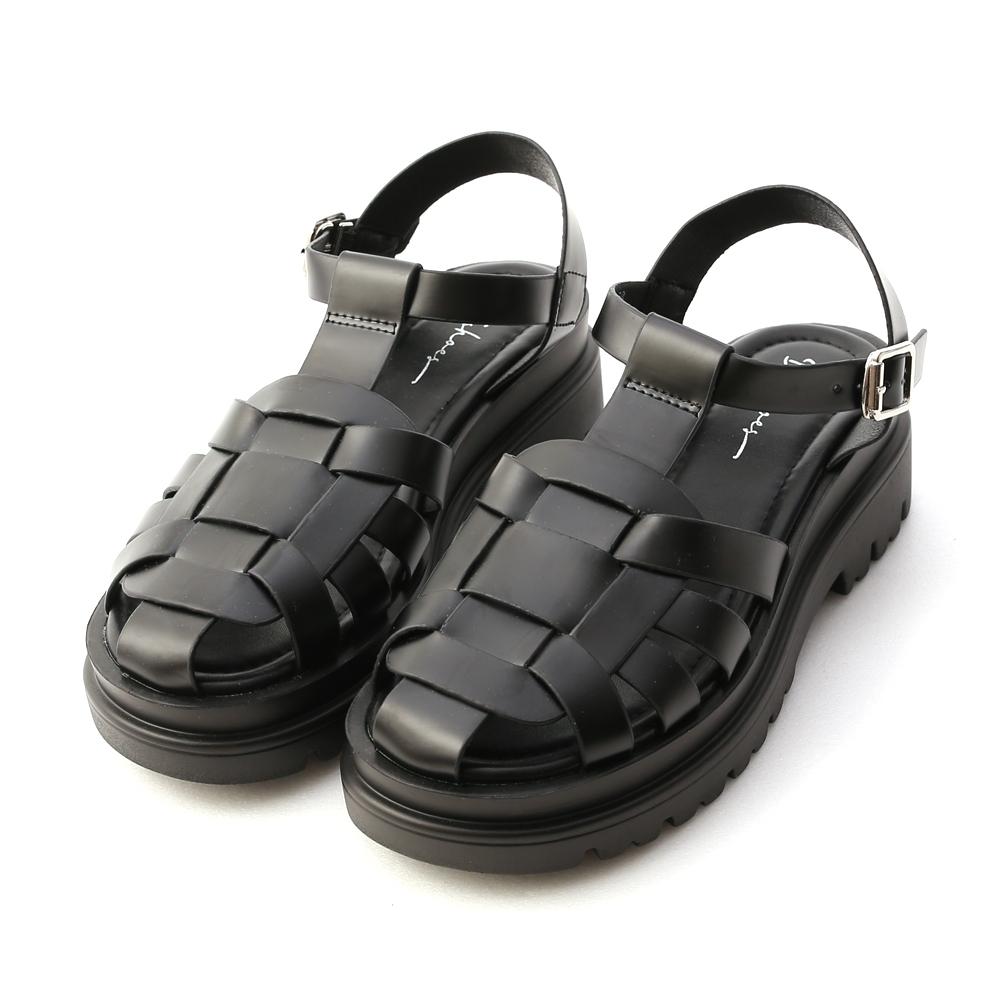 D+AF 潮流型人.鬆糕底編織羅馬涼鞋*黑
