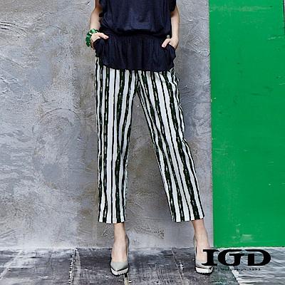 IGD英格麗 純棉筆刷感條紋印花長褲