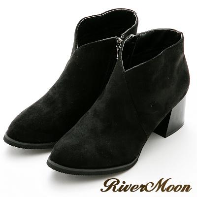River&Moon短靴-極簡前V微尖頭粗跟短靴-黑絨