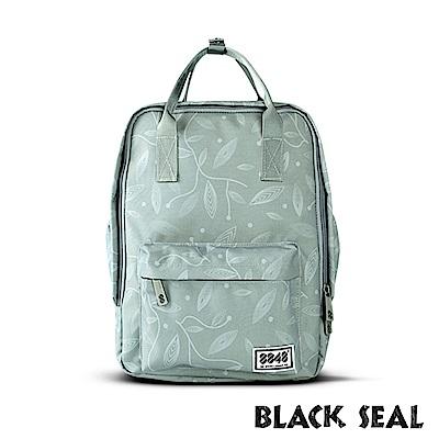 福利品 BLACK SEAL 聯名8848系列- 多隔層休閒小方型後背包-嫩綠色