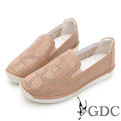 GDC-經典爆款簍空設計素色基本軟底舒適休閒鞋-卡其色