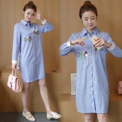 【韓國K.W.】藍色條紋刺繡中長款襯衫洋裝