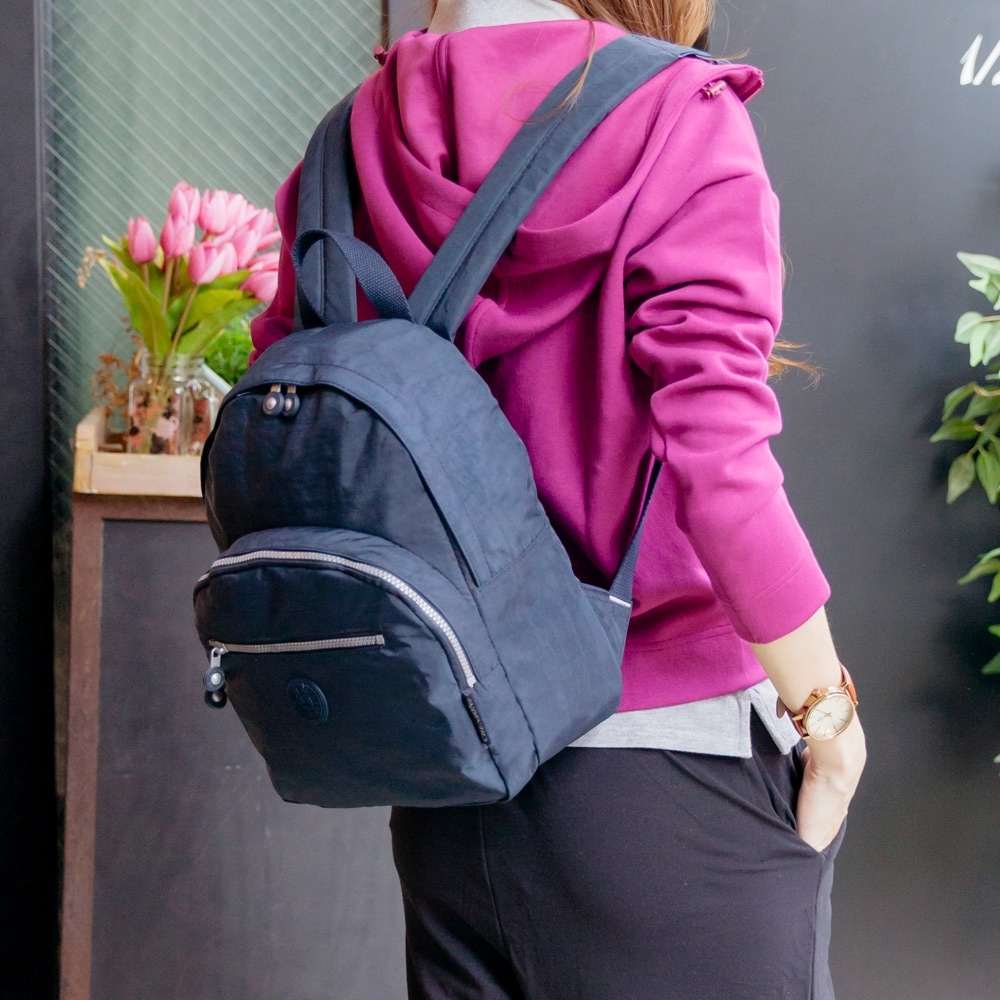 CHENSON 該帶的都能帶的中型後背包(M) 深藍色(CG81430-6)