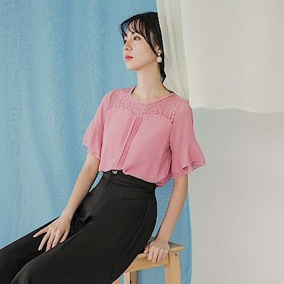 氣質蕾絲花邊拼接荷葉袖打褶短袖上衣-OB大尺碼