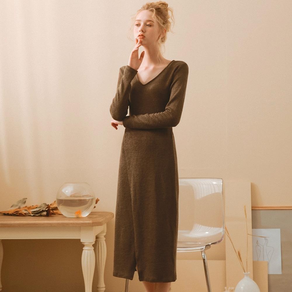 AIR SPACE LADY V領交疊開衩長袖針織洋裝(咖啡)