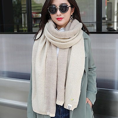 Decoy 鳳梨胸針 學院男女中性保暖圍巾 卡其米