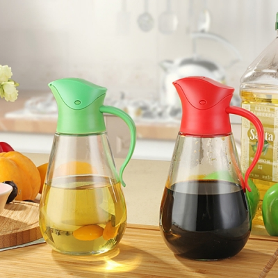 【佳工坊】自動開蓋防滲漏玻璃油瓶-550ML(顏色隨機)