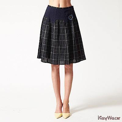 KeyWear奇威名品    100%麻經典格紋拼接短裙-藍黑色