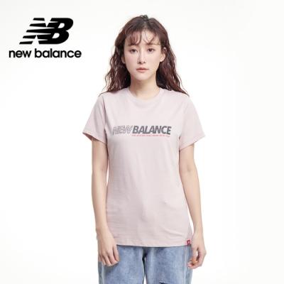 【New Balance】SPEED 品牌字樣短袖Tee_女性_灰粉紅_AWT03511SCI