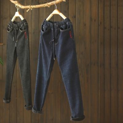 素色刺繡抽繩鬆緊腰加絨牛仔褲寬鬆加厚長褲-設計所在
