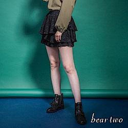beartwo 網路限定-雪紡葉子圖騰造型拼接百褶短裙(黑色)