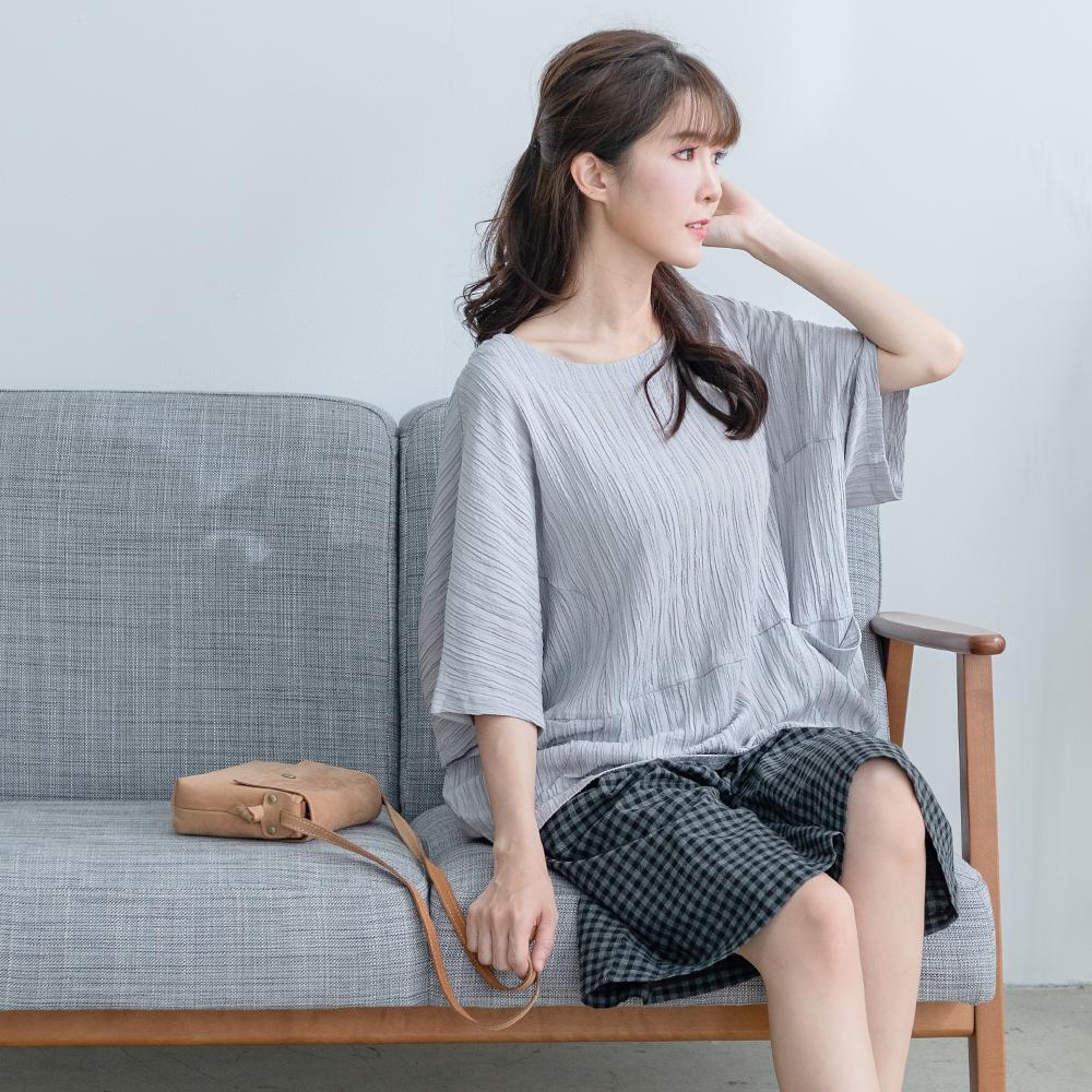 慢 生活 樹柳肌理立體上衣- 淺灰/杏