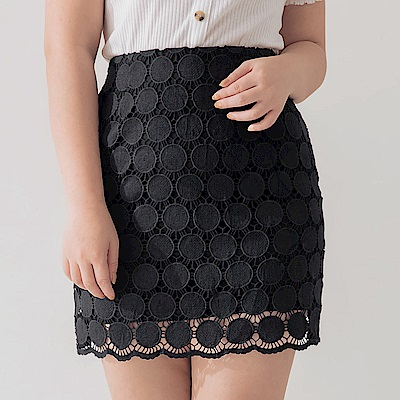 AIR SPACE PLUS 圓型蕾絲造型窄短裙(黑)