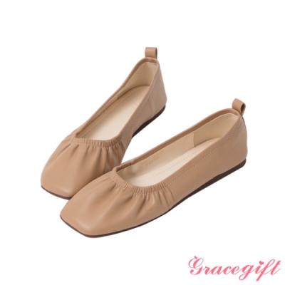 Grace gift-素面方頭抓皺娃娃鞋 淺駝