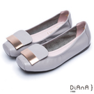 DIANA 愜意時尚–簡約金屬片真皮方頭娃娃鞋-灰