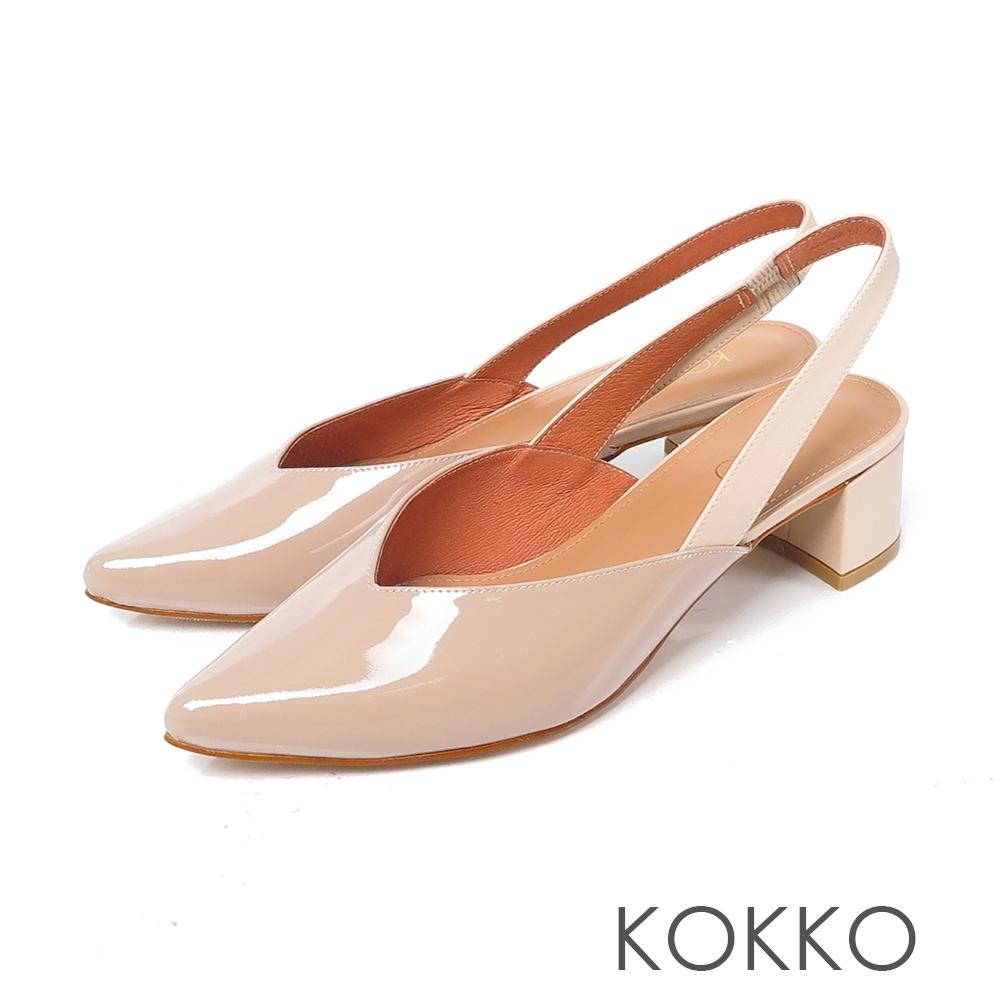 KOKKO 優雅尖頭後帶真皮粗跟鞋 奶茶色
