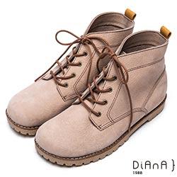 DIANA 率性自我-質感車線個性綁帶休閒短靴-淺灰