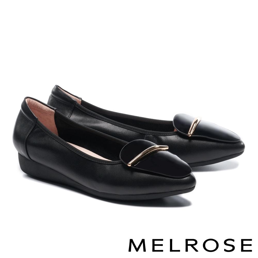 低跟鞋 MELROSE 質感時尚飾釦全真皮尖頭楔型低跟鞋-黑
