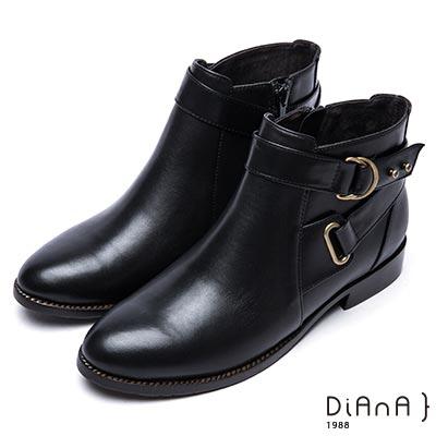 DIANA 魅力個性-雙釦環鉚釘側拉鍊短靴-黑