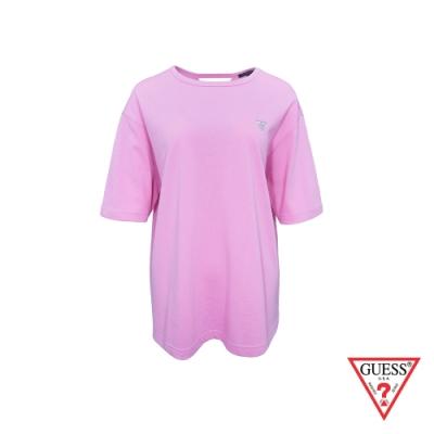 GUESS-女裝-素面小LOGO後扭結短T,T恤-粉