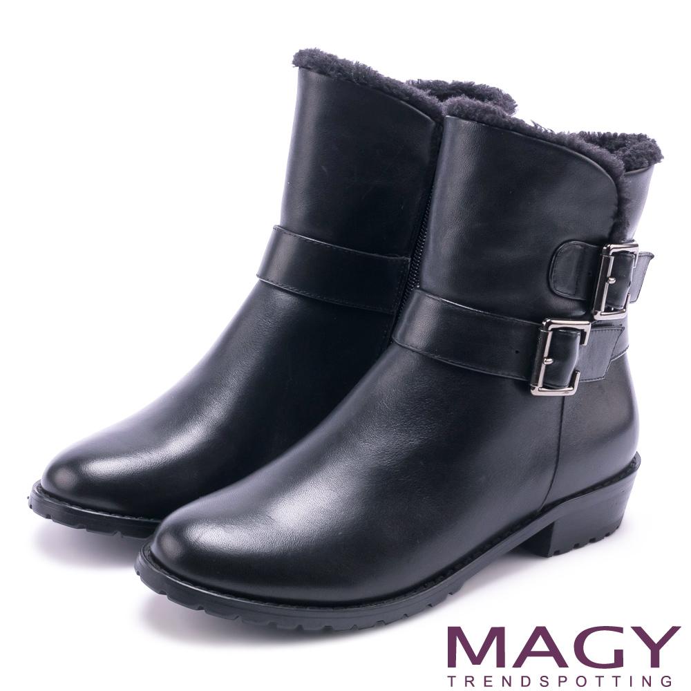 MAGY 柔軟暖呼呼 牛皮騎士皮帶釦環毛毛短靴-黑色