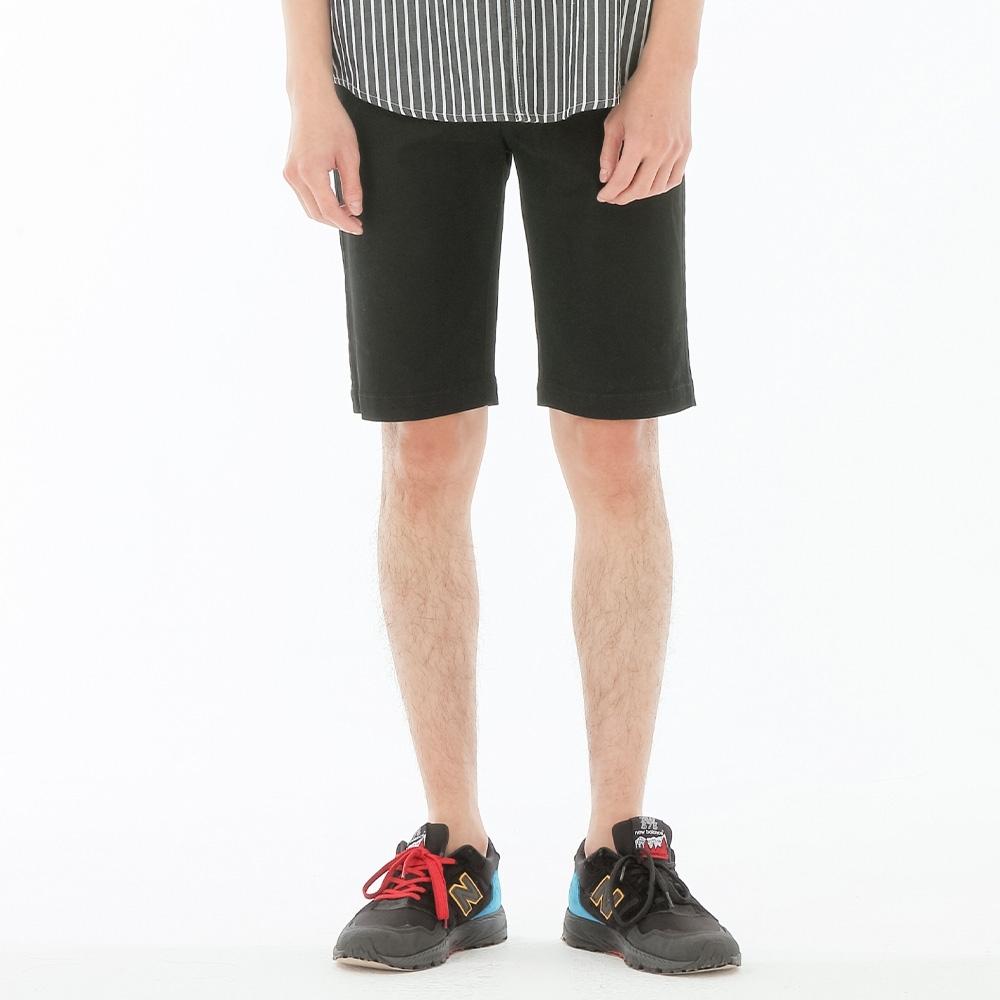 BIG TRAIN 墨達人LOGO黑色短褲-男-黑