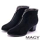 MAGY 紐約時尚步調 俐落剪裁造型粗跟短靴-黑色