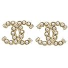 CHANEL 經典小珍珠造型裝飾雙C LOGO經典耳環(香檳金)