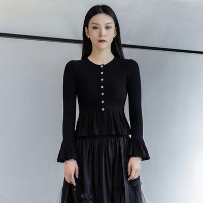 設計所在Style-黑白撞色扣裝飾修身顯瘦喇叭袖針織衫開衫