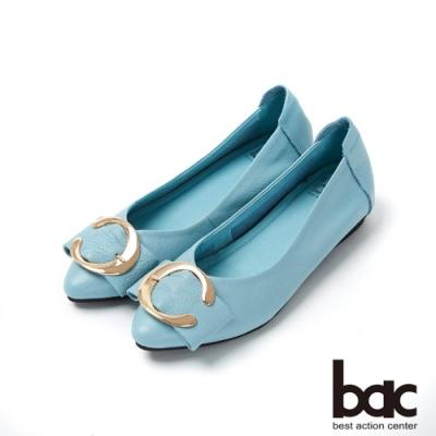 bac愛趣首爾 - 亮眼色尖頭大飾釦平底鞋-淺藍色