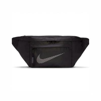 Nike NSW Winterized Hip 斜背包 王一博著用  反光 外出 旅遊 黑 銀 DB4697010