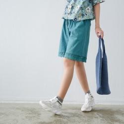慢 生活 立體蕾絲邊五分寬版短褲- 綠/卡其
