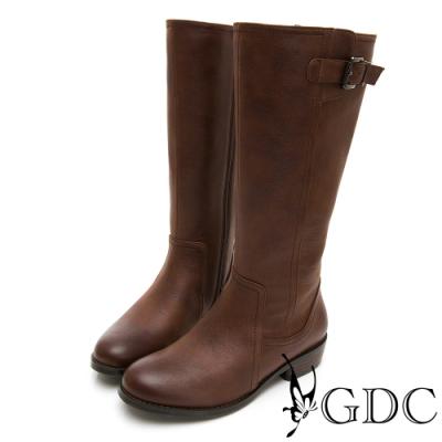 GDC-歐美基本素色側扣飾抓皺長靴-咖色