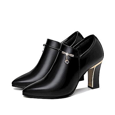 Sp house 潮流時尚黑身側拉粗跟短靴-三鑽扣款