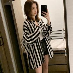 La Belleza黑白粗條紋開釦前短後長寬鬆雪紡襯衫