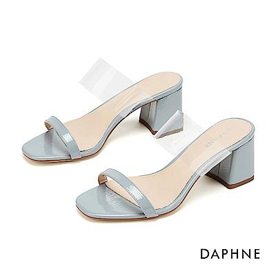 達芙妮DAPHNE 涼鞋-摩登漆皮拚接透明PVC鏤空粗跟涼拖鞋-藍色
